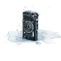 Olympus Tough TG-6 Digital Camera – Black [V104210BU000]