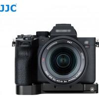 JJC HG-A7R4 Extension Grip for Sony a7R IV, a7R III, a7R II, a7 III, a7 II and a7S II