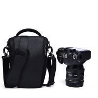 Caden D1 Shoulder Bag - Black